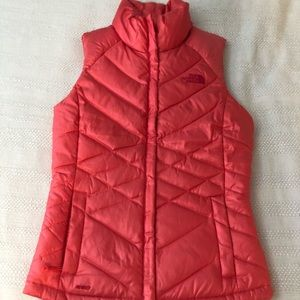 North Face puffer vest NWOT